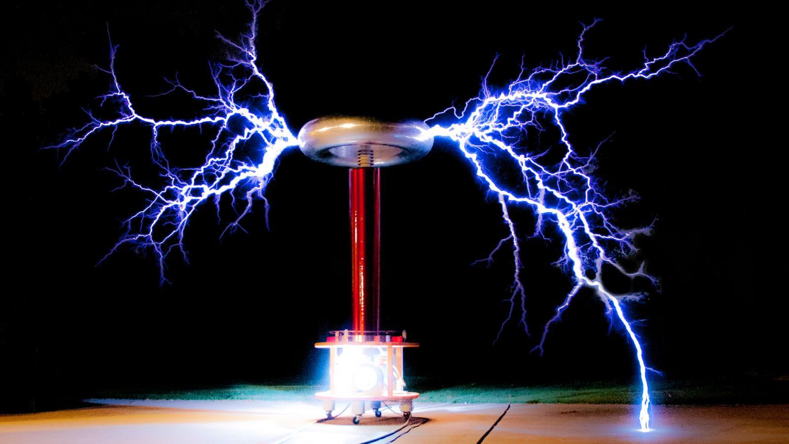 Cameron Prince Nikola Tesla Historian And Tesla Coil Builder